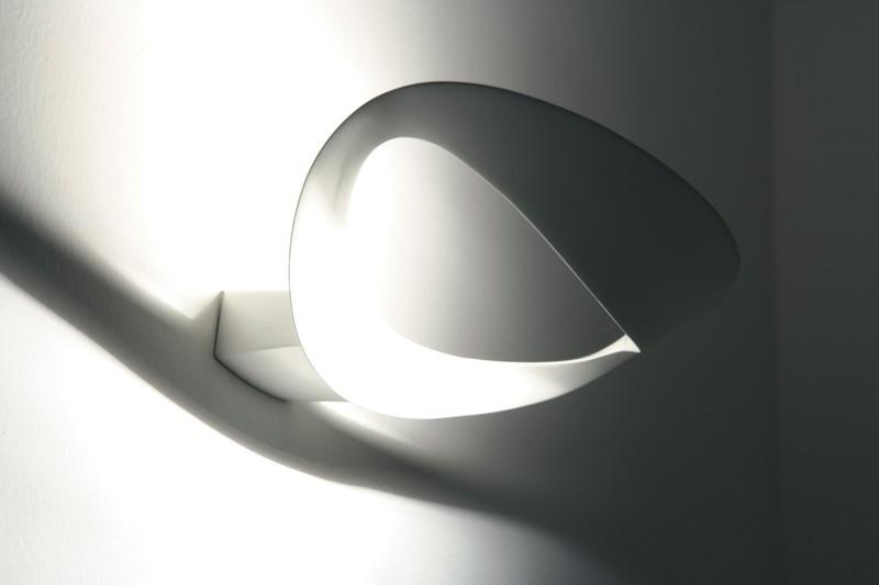 Applique mesmeri artemide luminaires pierrel